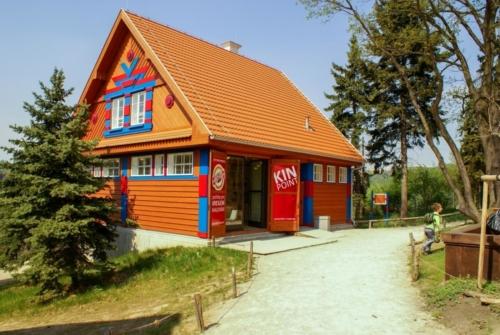 kupastudio_KIN POINT ZOO Praha Gočárovy domky-01